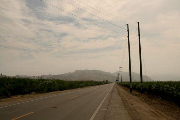 czekając na stopa do Huaraz